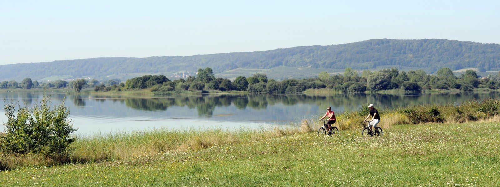 Les côtes de Meuse et le lac de Madine