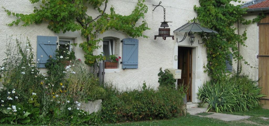 Entrée du gîte Le vieux pressoir en Meuse