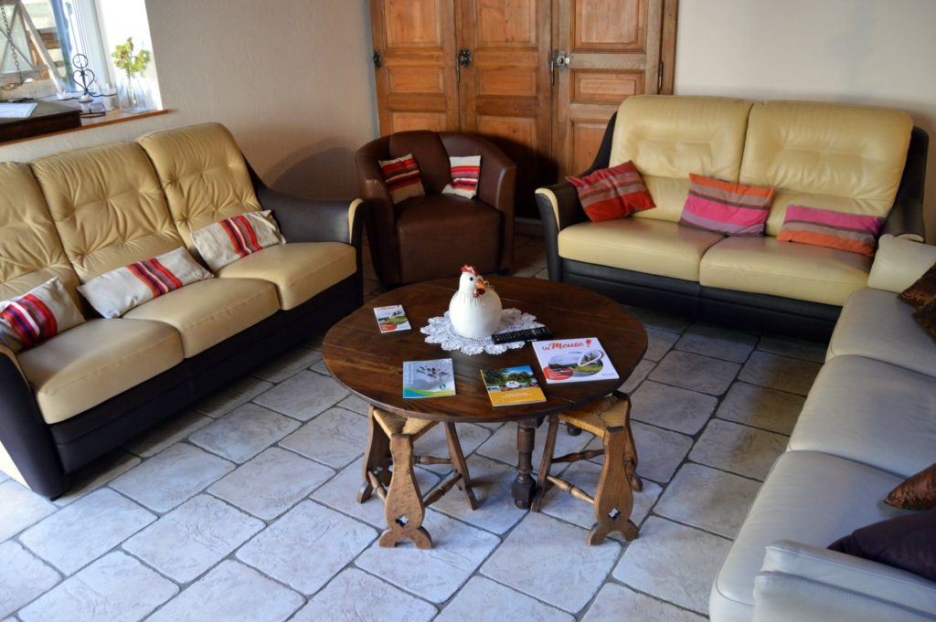 Salon du rez-de-chaussée - Gîte Le vieux pressoir