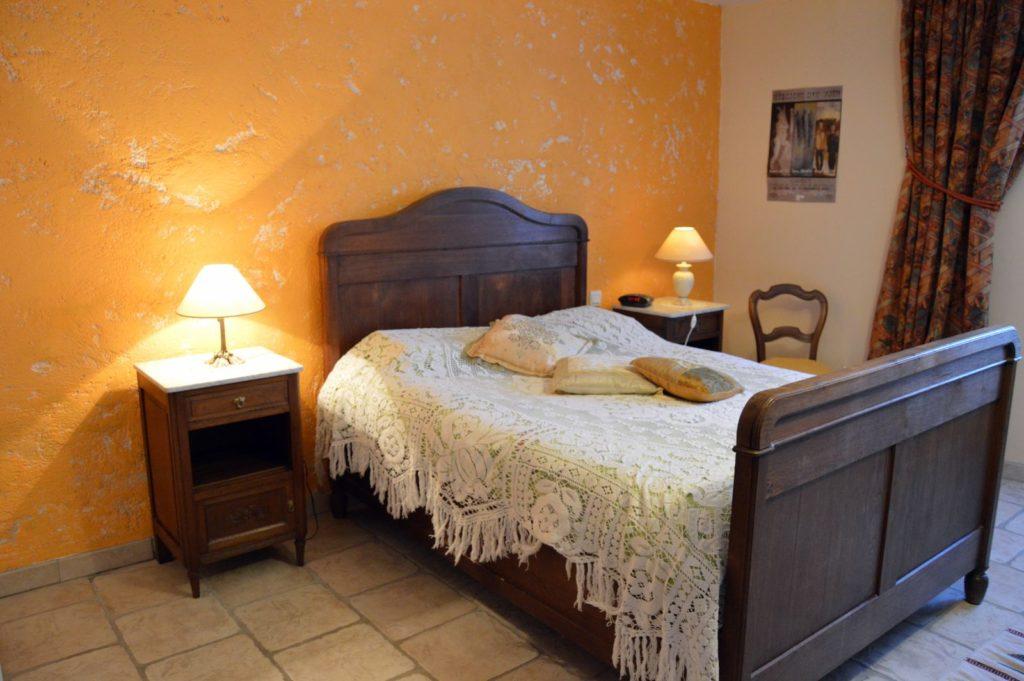 La chambre de devant - Gîte Le vieux pressoir