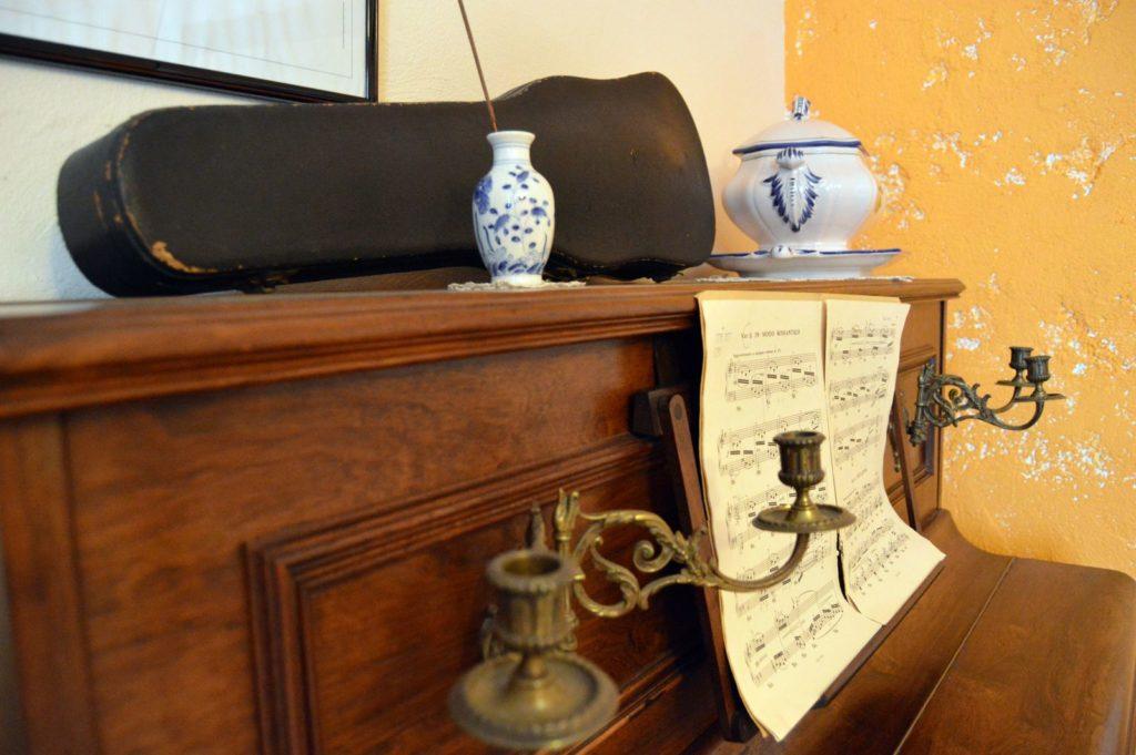 Piano - Décoration - Chambre de devant - Lorraine